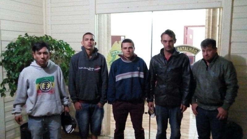 Os suspeitos foram encaminhados à 14ª SDP, de Guarapuava. Foto: Divulgação PM