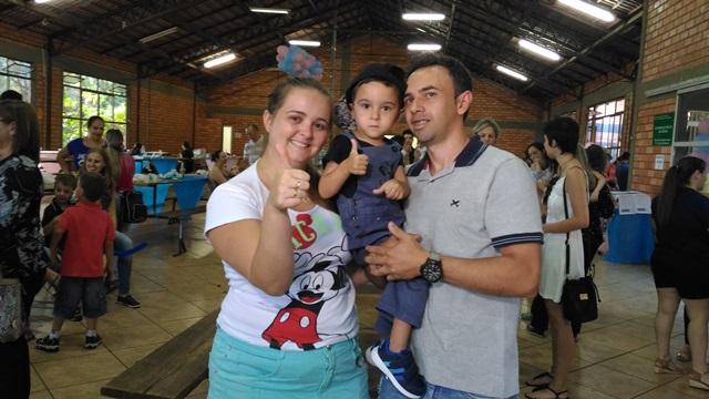 Ana Carolina com o esposo e o filho João Bernardo, hoje com 3 anos. Foto: Evandro Artuzi/RBJ