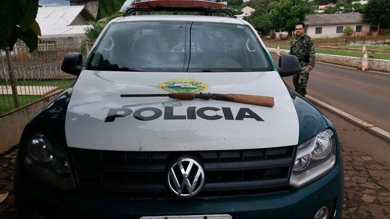 Arma, sem numeração, foi entregue à Polícia Civil. Foto de divulgação