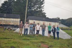 Agricultores beneficiados / Foto: Assessoria Prefeitura FB