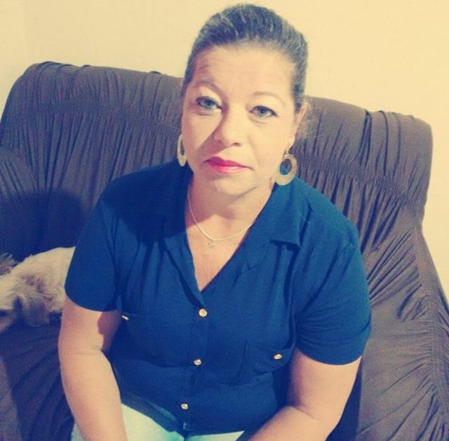 Lurdes Fátima da Silva, 51 anos, foi atingida na cabeça, por um tiro, e morreu a caminho do hospital. Foto: Reprodução Facebook