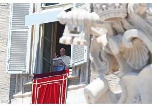 Papa Francisco no Regina Coeli deste domingo - AFP