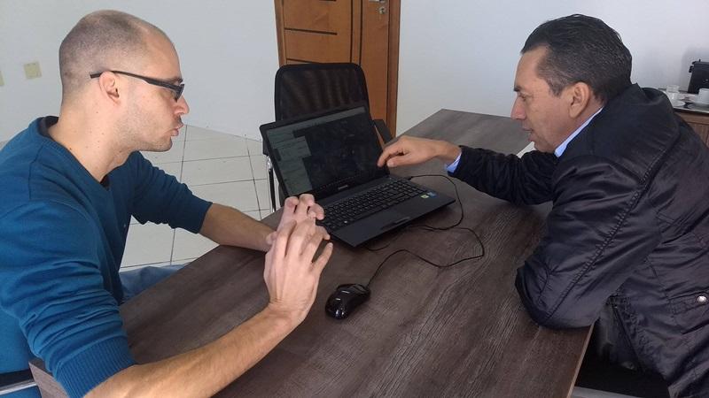 Reichembach e Roberto Machado tratam sobre a revisão do projeto do Contorno Oeste. Foto de divulgação