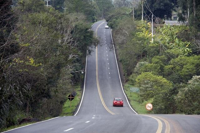 Trecho recuperado tem uma extensão de 30 Km, ligando Francisco Beltrão a Itapejara do Oeste. Foto: DER/PR