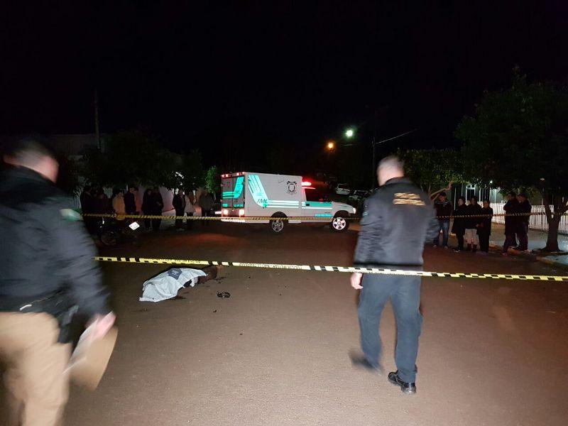 Local foi isolado para perícia da Criminalística.Foto: Diário da Informação (TV Beltrão)