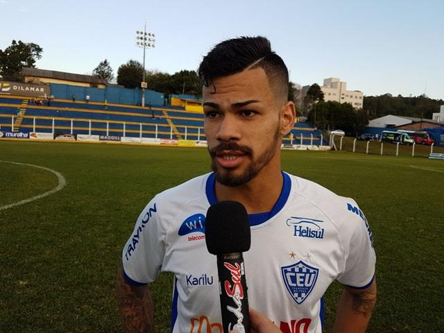 Ariel, autor do primeiro gol do União, em entrevista à Onda Sul FM. Foto: Ademir Augusto/RBJ
