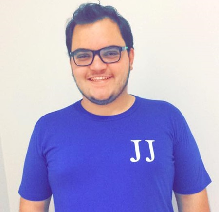 Vinicius Zanatta Comunello, 21 anos, era de família tradicional em Coronel Vivida e fazia parte do grupo J.j, da Paróquia São Roque. Foto: Reprodução Facebook