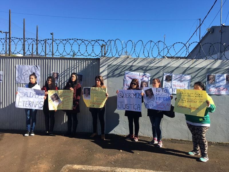 Família pede justiça, com punição dos responsáveis pelo crime. Foto: Monique Sfoggia/Rede Massa