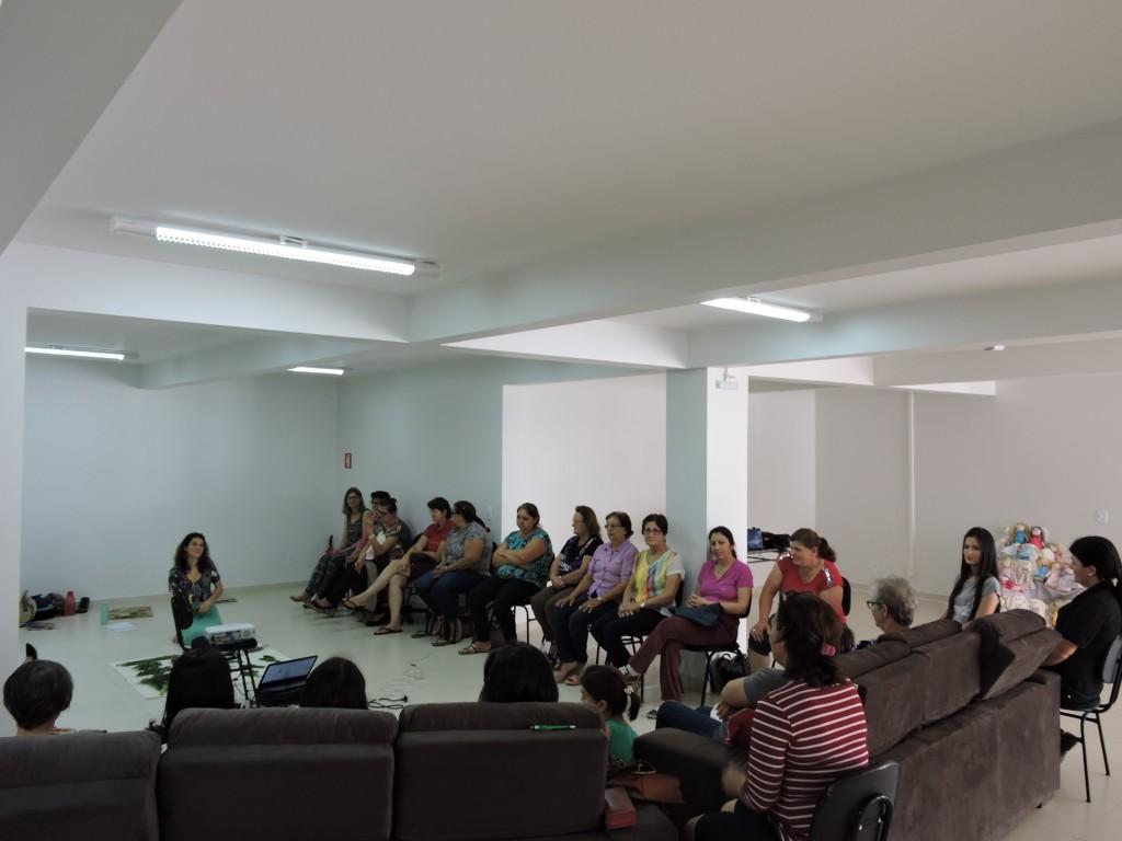 Grupo de mulheres participantes do curso / Foto: Francione Pruch