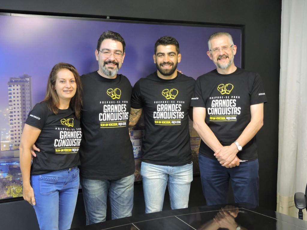 Equipe do Cesul junto com Elizeu Capoeira / Foto: Francione Pruch