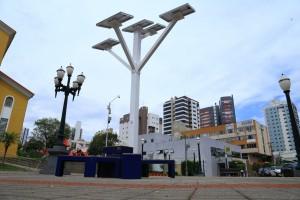 Praça Presidente Vargas recebeu o monumento na manhã desta sexta-feira, dia 20 / Foto: Assessoria