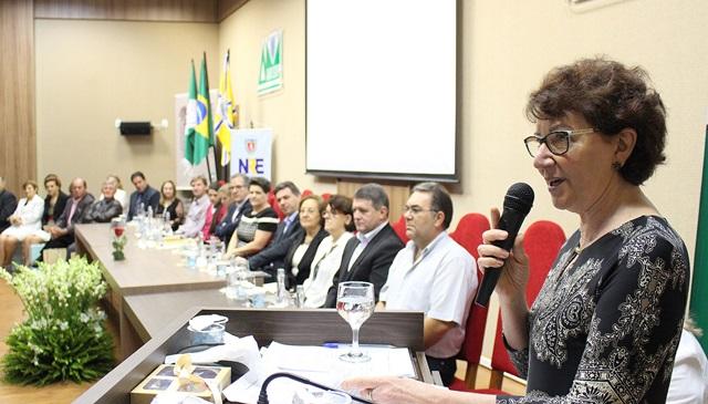 A secretária Ana Seres Comin destacou o resgate histórico de todos os NREs do estado no ano do setentenário da Seed. Foto de divulgação