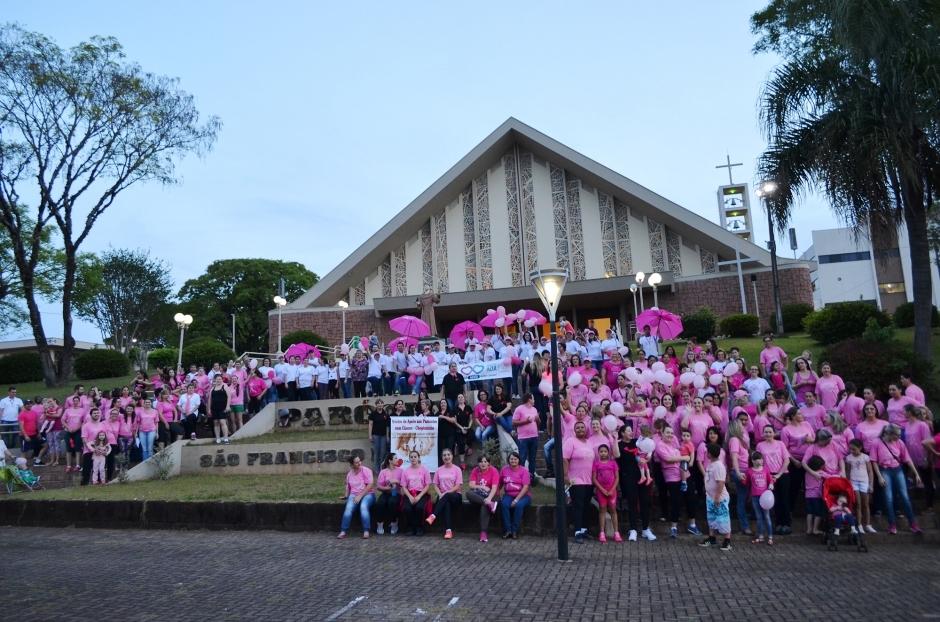 A concentração inicial foi em frente à Igreja Matriz. Foto: Assessoria.