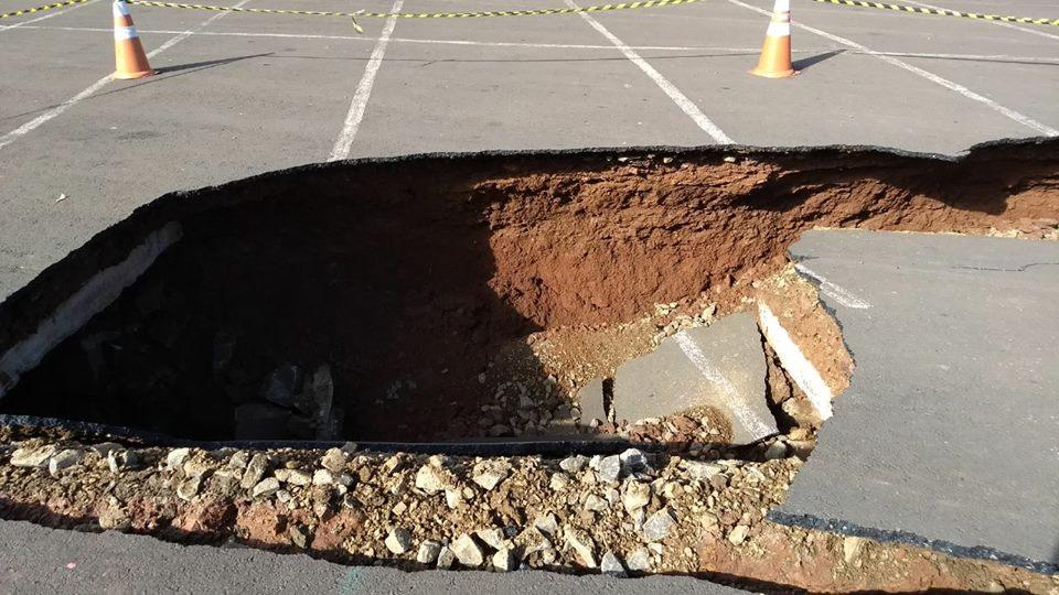 Desmoronamento em parte da galeria de canalização / Foto: Assessoria