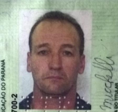 Elton de Michelli, 49 anos, sofreu uma queda de moto.