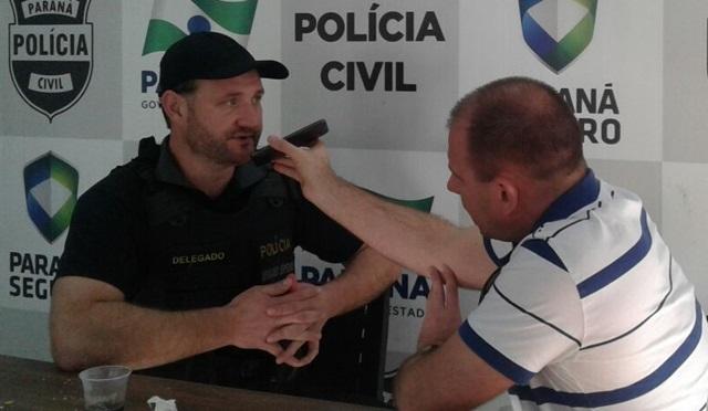 Delegado Valderez Scalco falou sobre o resultado da operação que contou com apoio da PM e do Gaeco. Foto: Édio Vescovi