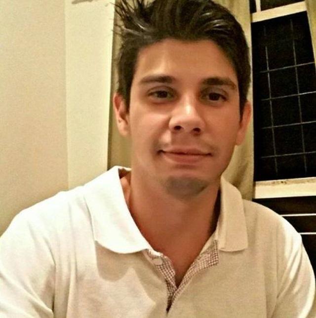 Eliton Manfroi, 26 anos, dirigia um dos caminhões e morreu na hora. Foto: Reprodução Facebook