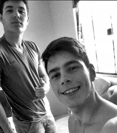 Daniel e Rodrigo foram encontrados mortos dentro do carro. Foto: Reprodução Facebook