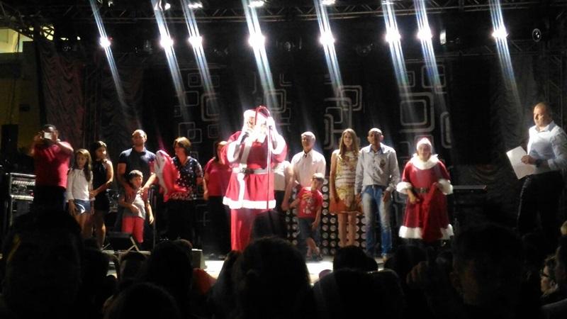 Papai Noel discursou durante o evento e pediu paz às famílias. Foto de divulgação