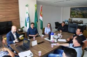 A reunião foi realizada no gabinete municipal. Foto: Assessoria.