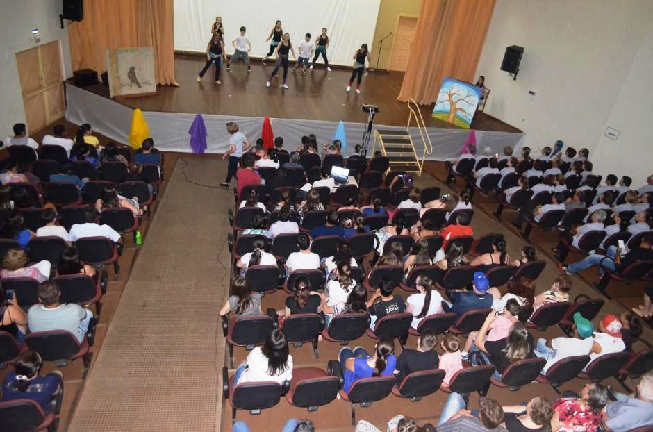 12 apresentações foram realizadas para as mais de 500 pessoas presentes. Foto: Assessoria.