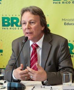 Dr. Mauro Del Pino falará sobre políticas públicas na área educacional