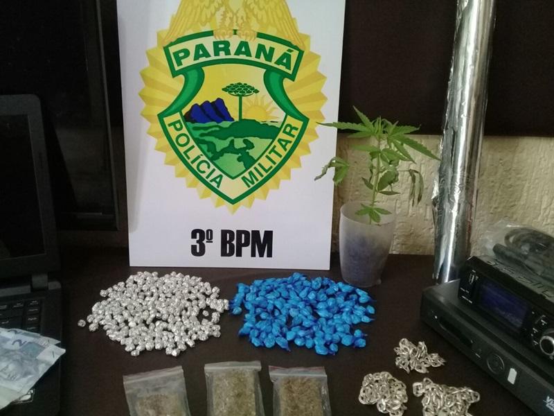 Drogas apreendidas com suspeitos de tráfico no Bairro Morumbi. Foto de divulgação