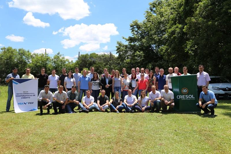 Equipe Cresol Baser. Foto de divulgação