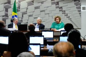 Senadora Lúcia Vânia (PSB-GO), ressaltou que o estado possui capacidade de endividamento. (Foto:Geraldo Magela/Agência Senado)