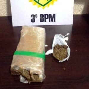 500 gramas de maconha foram apreendidos. Foto: Polícia Militar.