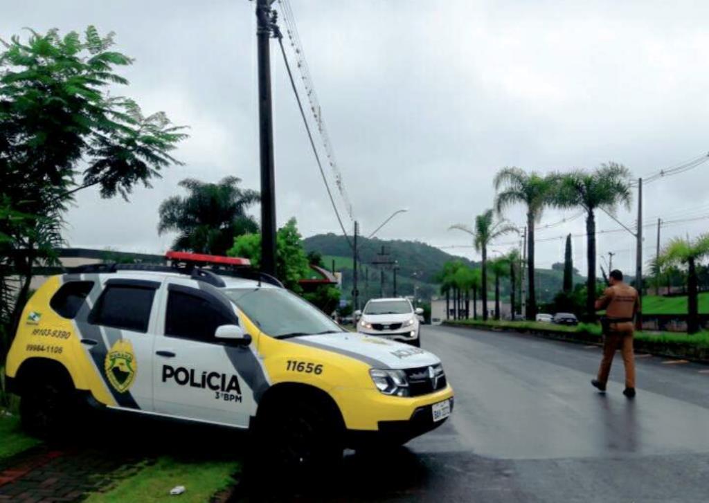 A ação foi muito bem recebida e elogiada pelos condutores. Foto: Polícia Militar.