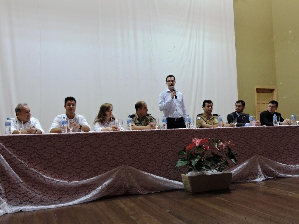 Autoridades presentes no evento. Foto: Edson Zuconelli.