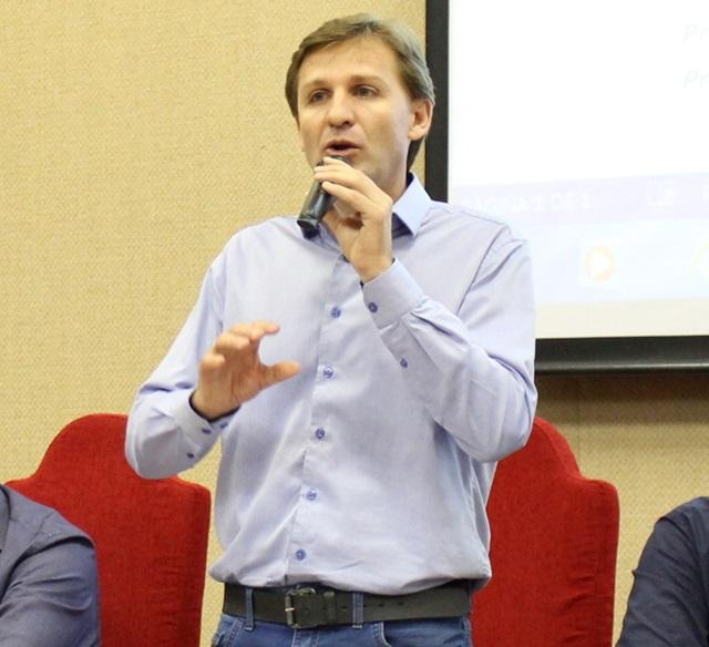 Moacir Fiamoncini, da Amsop: orientação é que prefeituras não paguem menos de R$ 2,4 mil a professores. Foto de divulgação